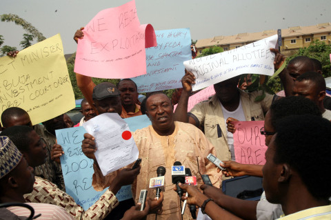 Abuja Traders Protest Plans By FCT to Allocate Their Shops to New Owners