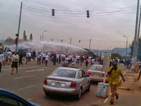 Protesting Polytechnic students,lecturers get teargased by Abuja police 233