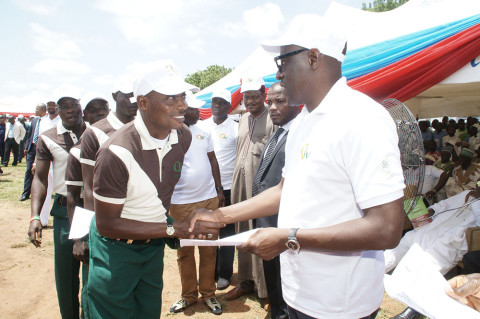 Kwara State Governor, Dr Abdulfatah Ahmed on Monday flagged-off the Quickwin Empowerment Scheme with the employment of an initial 5200 youths. Pix shows Governor Ahmed presenting letters to some of the beneficiaries