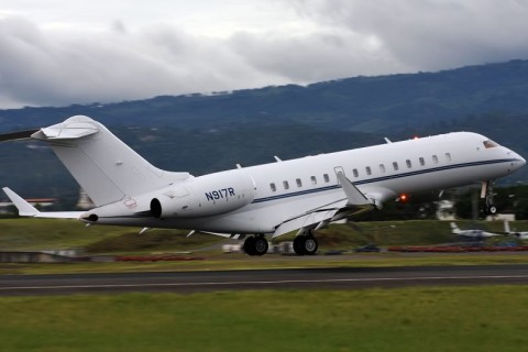 private-jet-795x530 (1)