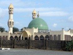 640px-2009_mosque_Lagos_Nigeria_6349959461