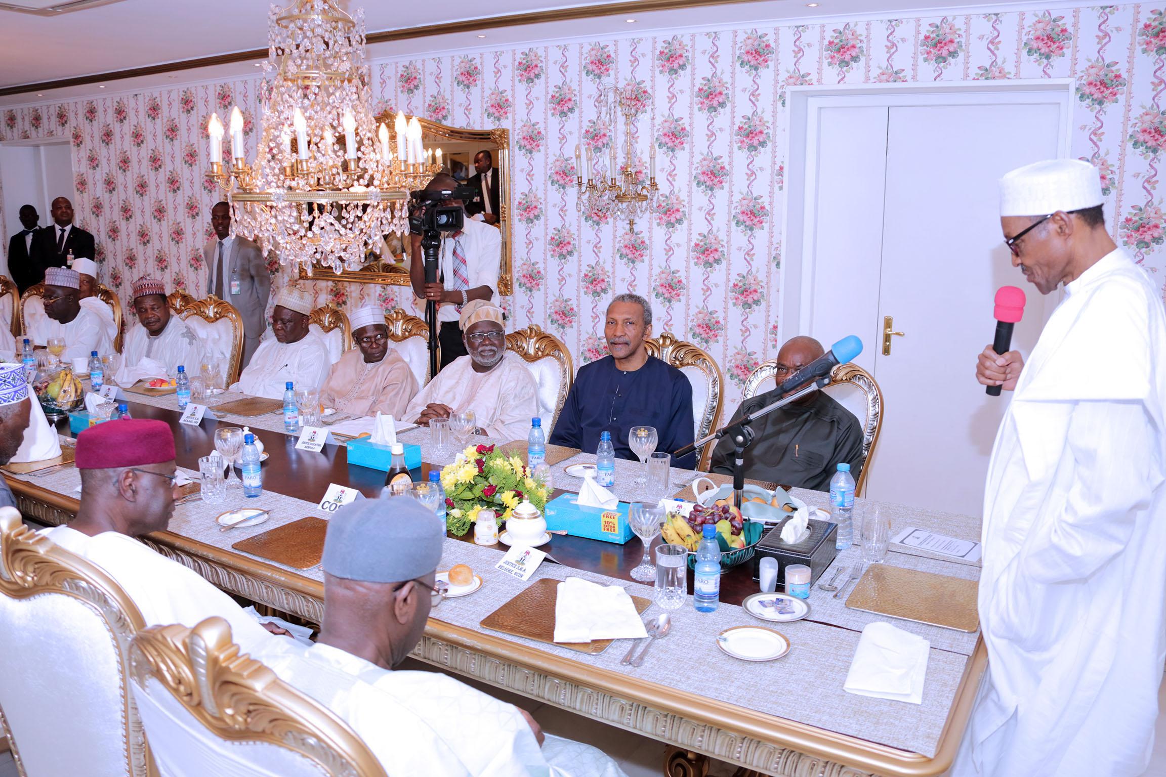 PRESIDENT BUHARI HOST JUDICIARY TO BREAKING OF RAMADAN FAST A&B. From Right; President Muhammadu Buhari addressing members of the Judiciary during breaking of Ramadan Fast at his Residence Thursday night in Abuja. PHOTO; SUNDAY AGHAEZE/STATE HOUSE JUNE 23 2016
