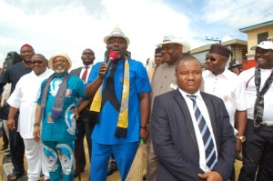 Gov. Okorocha campaigns for Chris Ngige of APC in Anambra governorship election