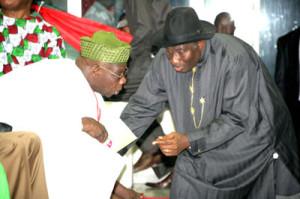 Former President Olusegun Obasanjo (Left) nad President Goodluck Jonathan (R)