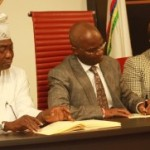 Fashola Signs N489.69 Billion 2014 Budget Into Law