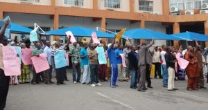 PHCN-WORKERS-PROTEST-IN-ABUJA