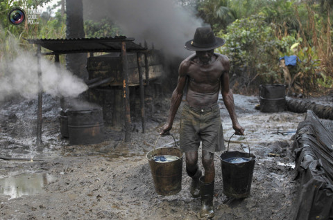 Plateau NSCDC Arrest 2 Soldiers, 3 Others for Oil Bunkering