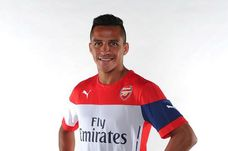 Alexis-Sanchez-signs-for-Arsenal