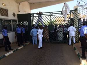 House Members Scales National Assembly Iron Gate To pave way For Tambuwal, Who Was Denied Entry Into The Complex