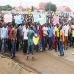 Again Biafra Protesters Shut Down Onitsha, Barricade Niger Bridge
