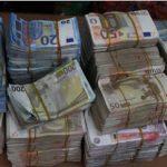 After Whistleblower Tips, EFCC Intercepts N250m Cash at Lagos Market