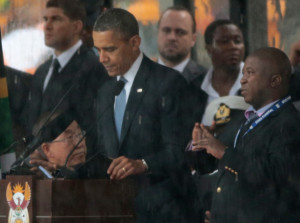 The world is shocked how a fake sign language interpreter made it to the stage at Mandela Memorial Service